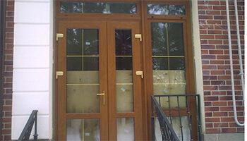 Преимущества пластиковых входных дверей из профиля Plafen